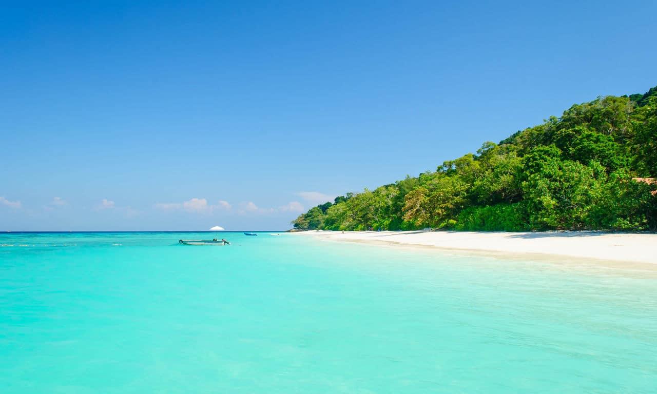 urlaub auf den kapverden Kap Verde Türkises Wasser Afrika Mittelmeer Urlaub Sommer Strandurlaub Erholung Palmen Sandstrand