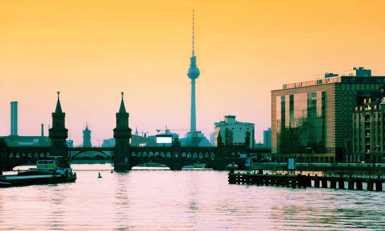 00174 hotels in berlin städtereise wochenendefernsehturm ausflug kurztrip party warschauer brücke