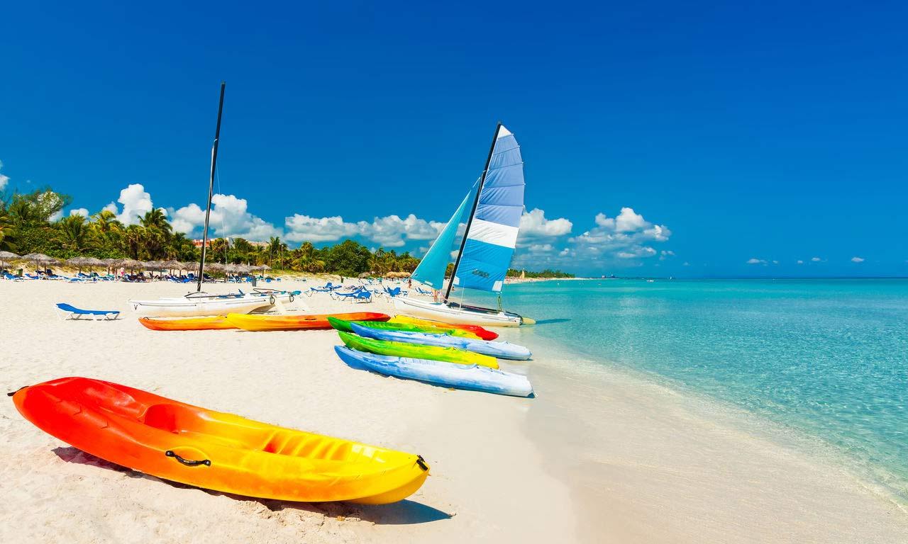 00268 kuba urlaub günstig wassersport kayak segelboot strand türkises wasser