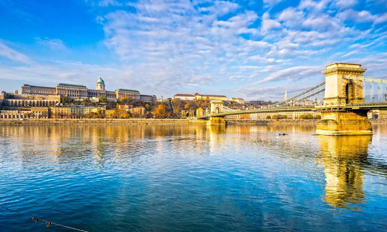 00391 ungarn hotels in budapest hängebrücke buda burg urlaub günstig sightseeing