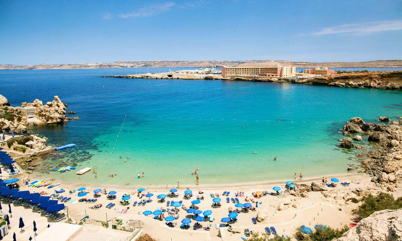 01036 hotels in malta urlaub mittelmeer traumstrand insel strand sommer paradies badebucht bucht