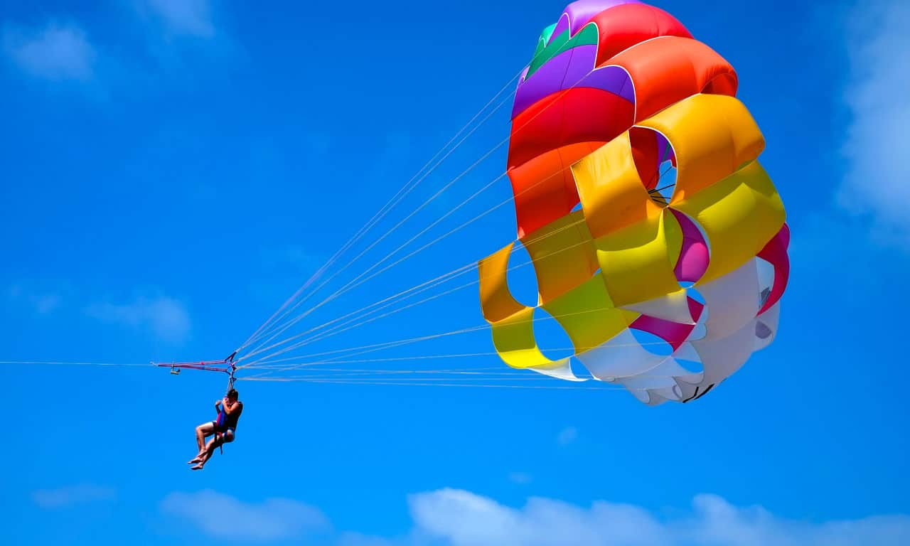 01063 wegde urlaub strandurlaub meer parasailing spaß fun sommer