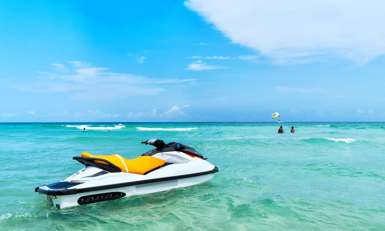 01074 dertour urlaub strandurlaub meer jetski spaß fun sommer